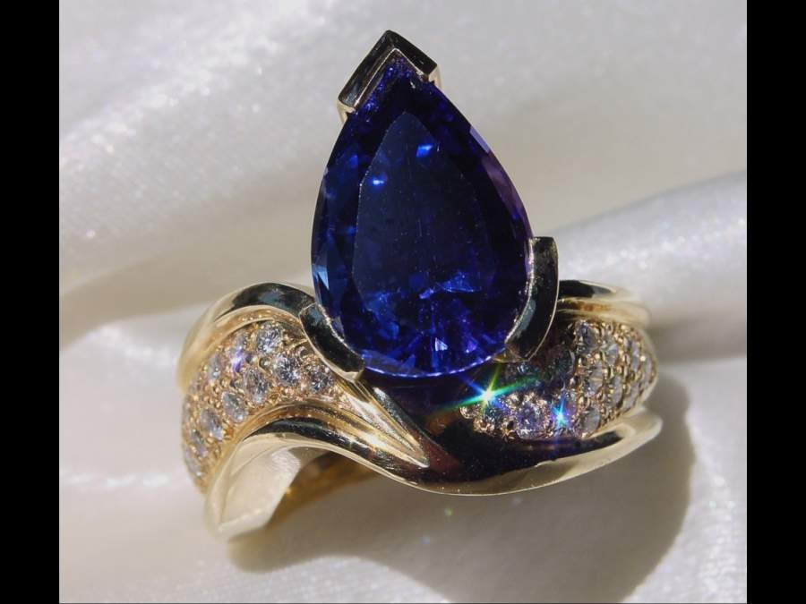 diamond ring with tanzanite