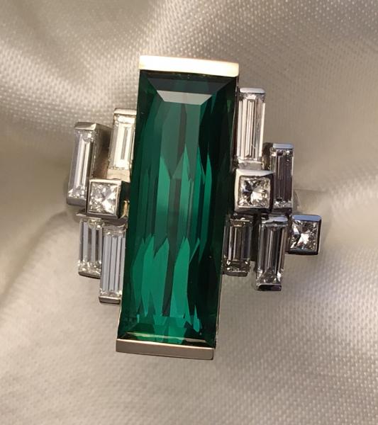 Robert-Schock-ring-green-tourmaline-diamond-rect-IMG_2079-1920