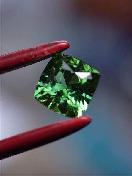green-tourmaline-diamond-ring-03
